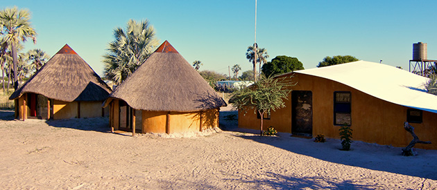 ondangwa accommodation, village, homestead, boesman, cultural accommodation, activities, volunteer programs, namibia